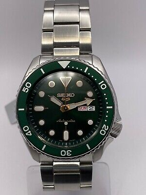 Seiko 5 Sports Men's Auto Green Dial Stainless-Steel bracelet Watch SRPD63K1