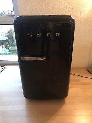 Gebraucht, Smeg FAB10RNE 114 L Kühlschrank Retrostyle schwarz gebraucht kaufen  Friedrichshafen