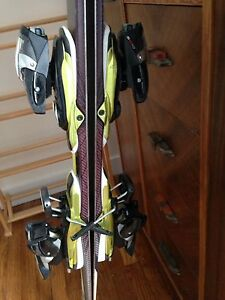 Ladies Salomon pilot skis