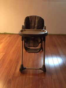 Graco highchair baby for 60$