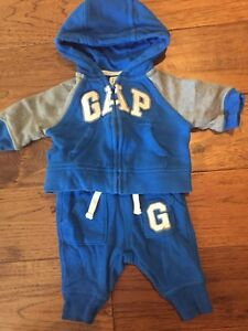 Baby Gap 0-3 month 2 piece sweat suit