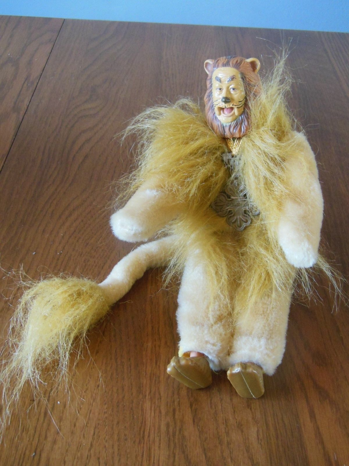 1994 Wizard of Oz Sky Kids Collectible Cowardly Lion Figure Doll 8859