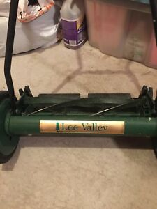 LeeValley push lawn mower