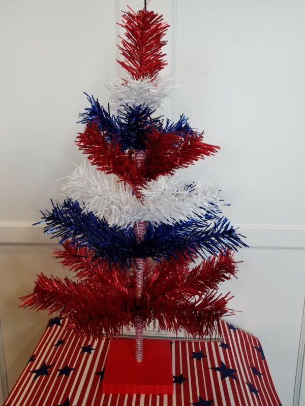 """Bethany Lowe Style 24 """" Americana Red White & Blue Holiday Tree"""