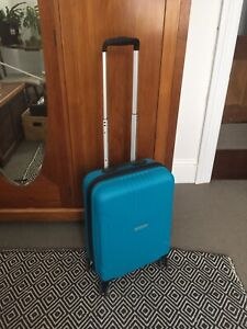 Travel suitcase. American Tourist. Very good condition. REDUCED $25