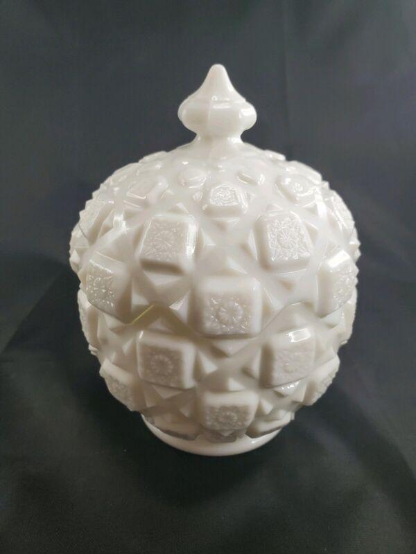 Vintage Westmoreland Milk Glass Old Quilt Pattern Candy Dish & Lid Box Jar Round