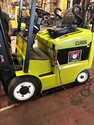 Clark Ecx20 4000 Lb Electric Forklifts Year 2014 With Charger And Battery