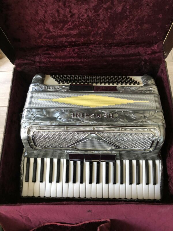 Vintage Menghini Master Silver Chrome Accordion Made in Italy with Case.rare
