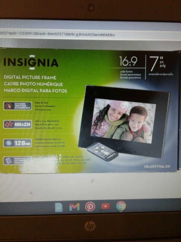 """Insignia NS-DPF7 7"""" Digital Picture Frame"""