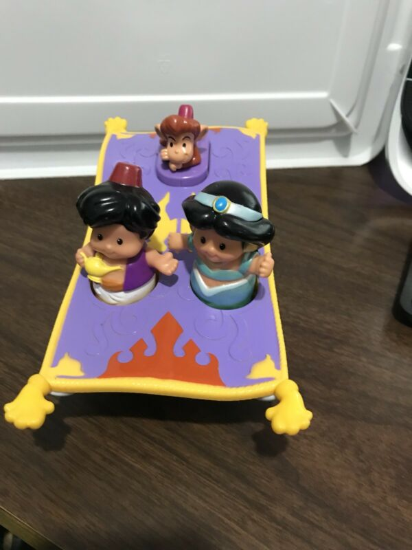 Fisher Price Little People Disney Aladdin & Jasmine Magic Carpet with Sound