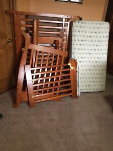 Baby crib  and mattress with toys screw lost  50$