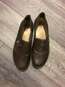 Brown women's shoes-barely used