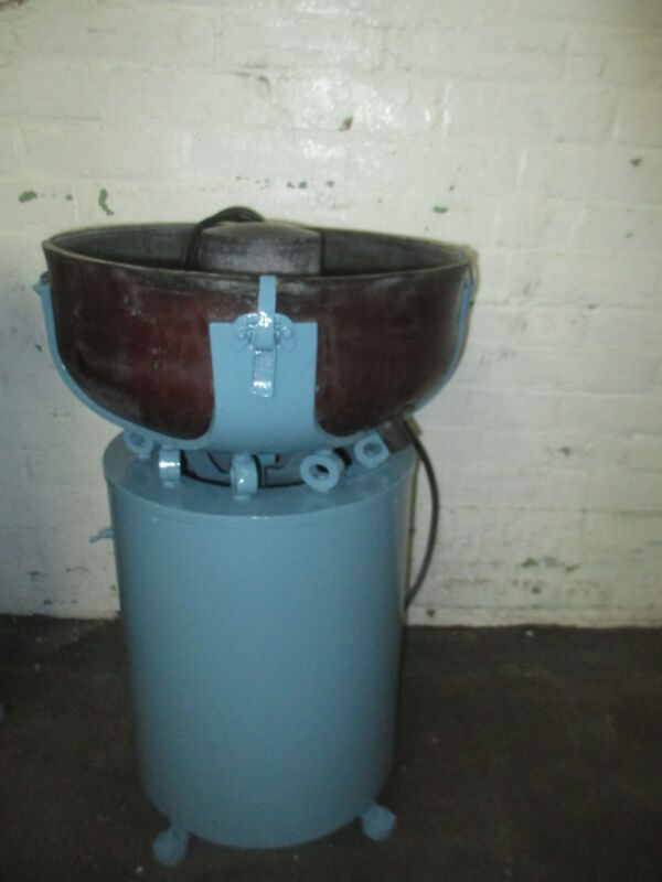 Bel-Air Vibratory Finishing Tumbling/Deburring Machine FM 2000 1/2 Cu Ft