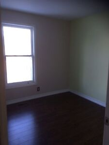 ROOM AVAILABLE NOW - NO PAST MONTHS RENT UP FRONT