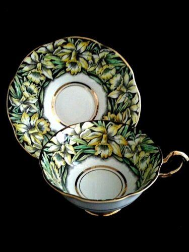 Vintage Rosina Bone China England Teacup & Saucer Set Pattern 4829