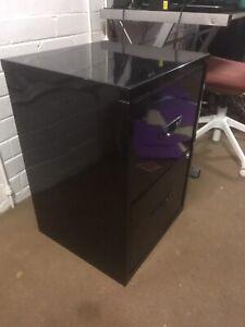 Black Metal Filing Cabinet *pending pickup*