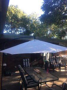 Cantilever outdoor umbrella Lawnton Pine Rivers Area Preview