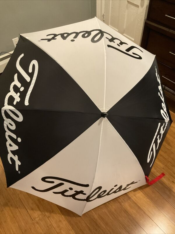 "Titleist Golf Umbrella 68"""