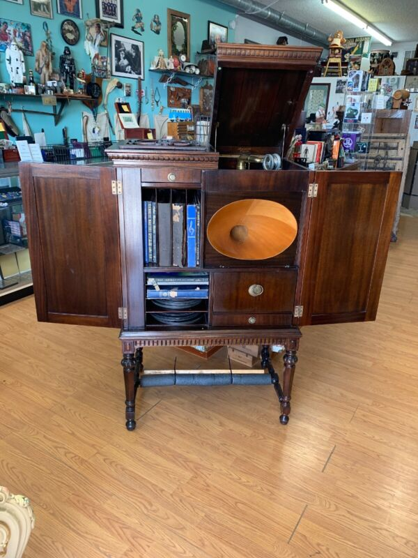 Vintage Phonograph Brunswick Radiola Super-Heterodyne 2nd Harmonic Model AR 813
