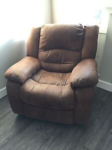 Microfiber couch and recliner set
