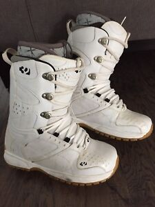 Thirty Two 32 Men's 11 Snowboard Boots