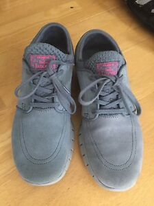 Suede Nike SB's | size 8.5 | 10/10