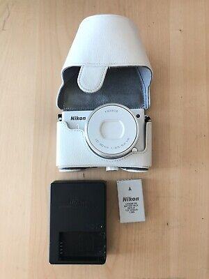 Nikon 1 J4 18.4MP Digital SLR Camera White + 10-30mm Nikkor Lens + MicroSD & Box