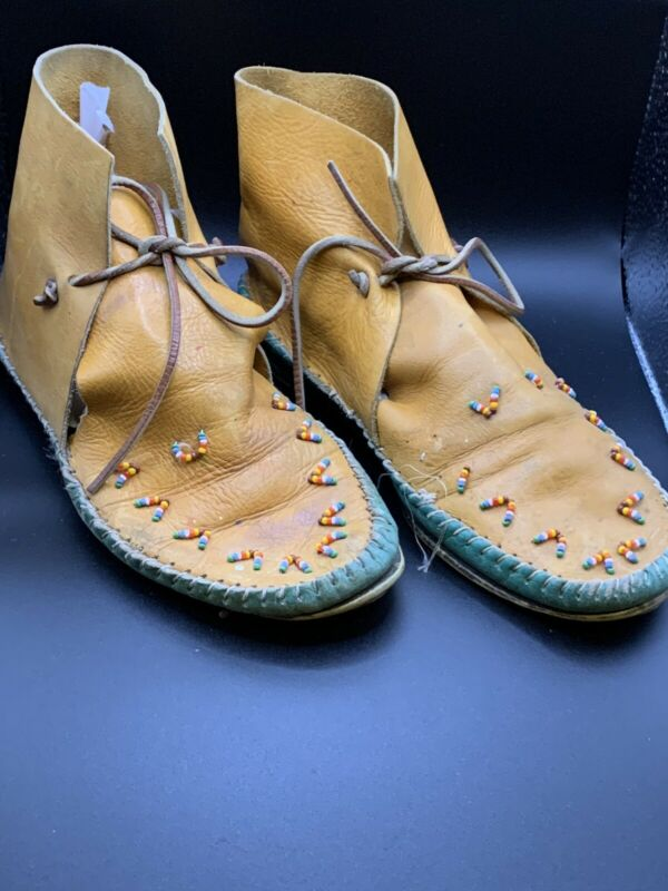 Vintage Native American Indian Leather Moccasins