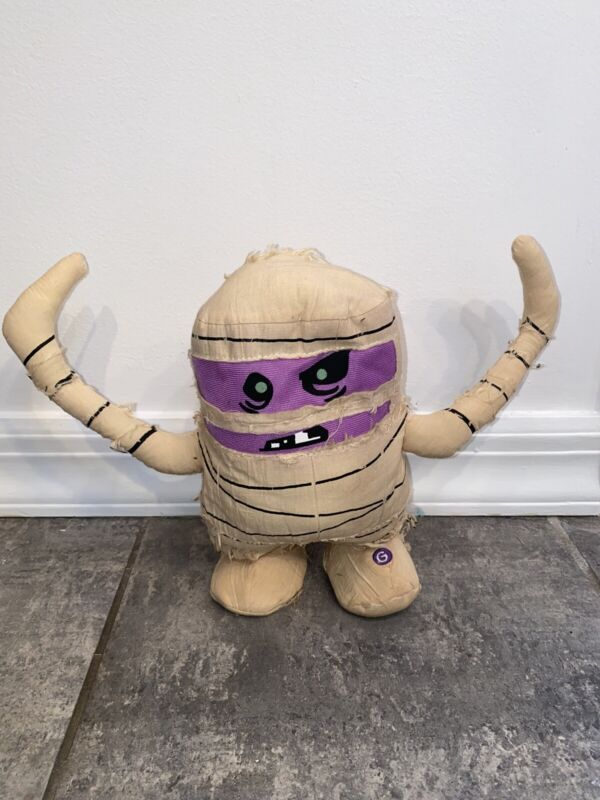 WORKS GEMMY MUMMY DANCING AND MOVING PLUSH DOLL HALLOWEEN SCARY MOVES PROP