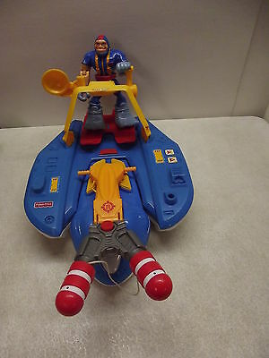 FISHER PRICE ORIGINAL RESCUE HEROES RESPONSE WATERCRAFT COMPLETE W/GIL GRIPPER