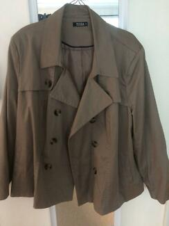 Brown womens Jacket good condition ; double breasted;
