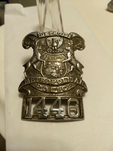 Obsolete Early Style Classic Detroit Michigan Police Hat Badge Applied #1446