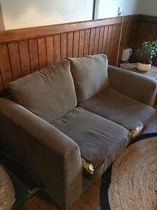Free couch Armidale Armidale City Preview