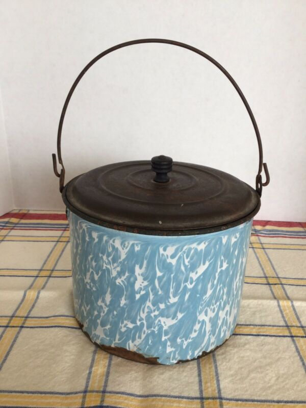 Vintage Light Blue & White Swirl Graniteware Berry Pail W/ Tin Lid & Wire Handle