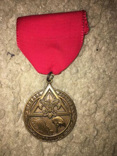 Boy Scout BSA Fort Niagara Frontier Buffalo Falls New York Ribbon Trail Medal