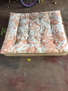 Large dog bed Victoria Point Redland Area Preview