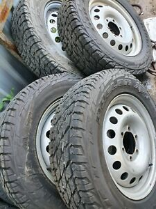 Hilux Bridgstone tyres/wheels
