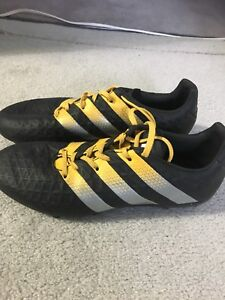 Adidas boys size7.5 soccer cleats