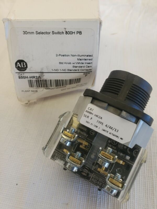 Allen Bradley 800H-HR2A Selector Switch White 30 mm 2 Position  *NEW *      (C3)