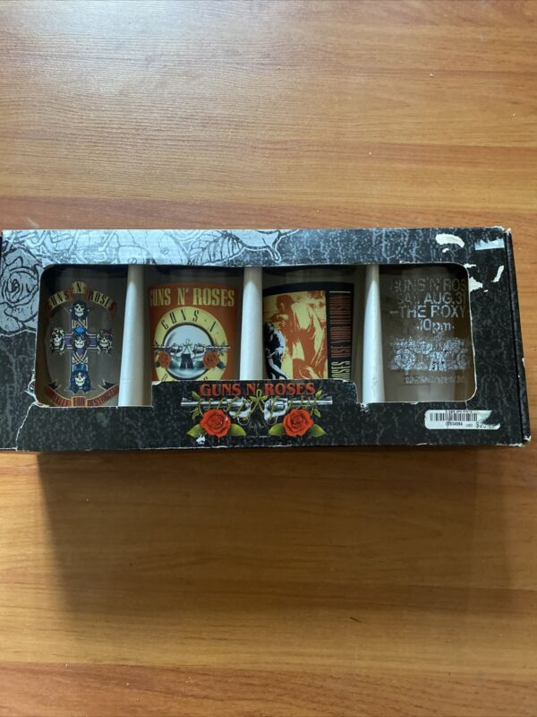 Guns and Roses Pint glass collectible set