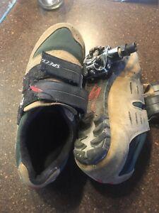 Bmx clips (pedals + shoes. Men's 7.5)