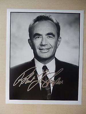 Robert Shapiro Autographed 8  X 10  Photograph