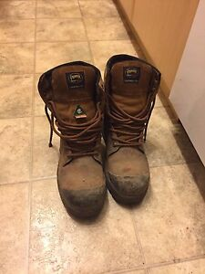 Pioneer boots Size 9