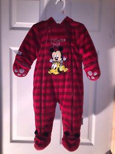 Une pièce chaud et doux Mickey