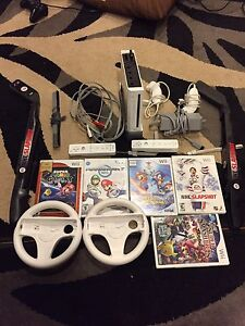 Nintendo wii, controllers and games