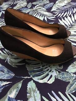 Katies Black Suede Peep Toe Wedges size 38