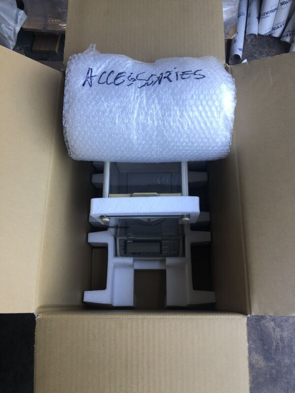 A&D AND HR-60 Analytical Scale Balance