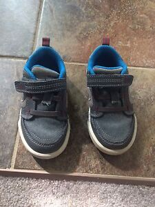 Stride Rite toddler sneakers Size 6.5