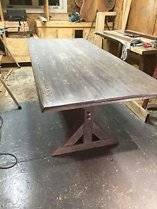 Rustic dinning room tables