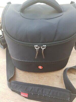 Manfrotto Camera Shoulder Bag IV for DSLR c/w Rain Cover - Excellent